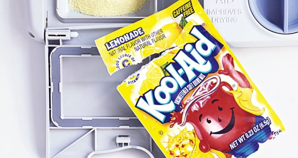 use kool-aid to clean dishes