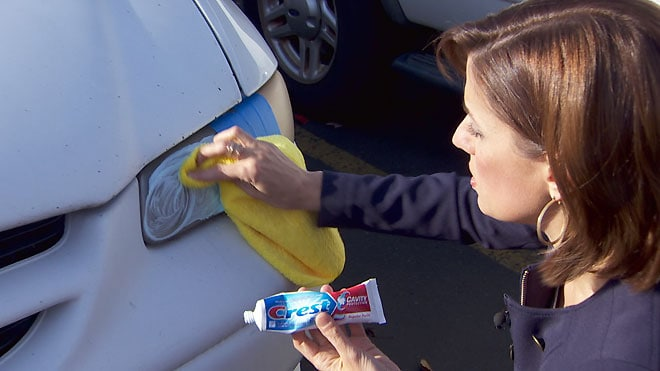 clean foggy headlights with toothpaste
