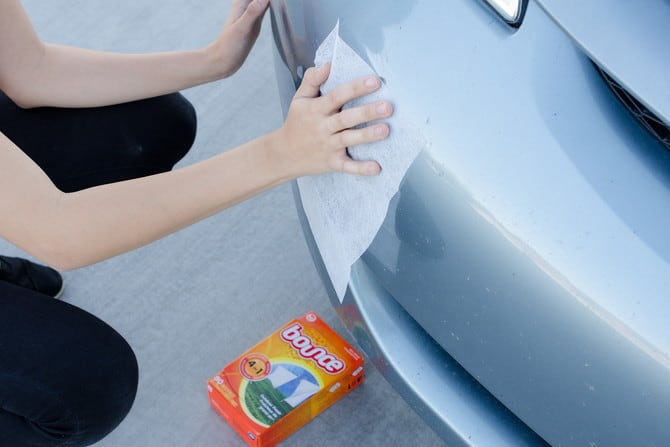 remove dead bugs from car grille with dryer sheets