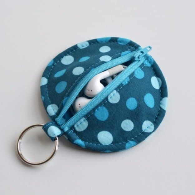 DIY earbud pouch. #DIY #Sewing #Crafts