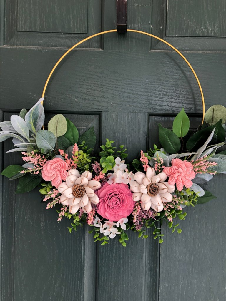 Minimal Floral Wreath for Summer